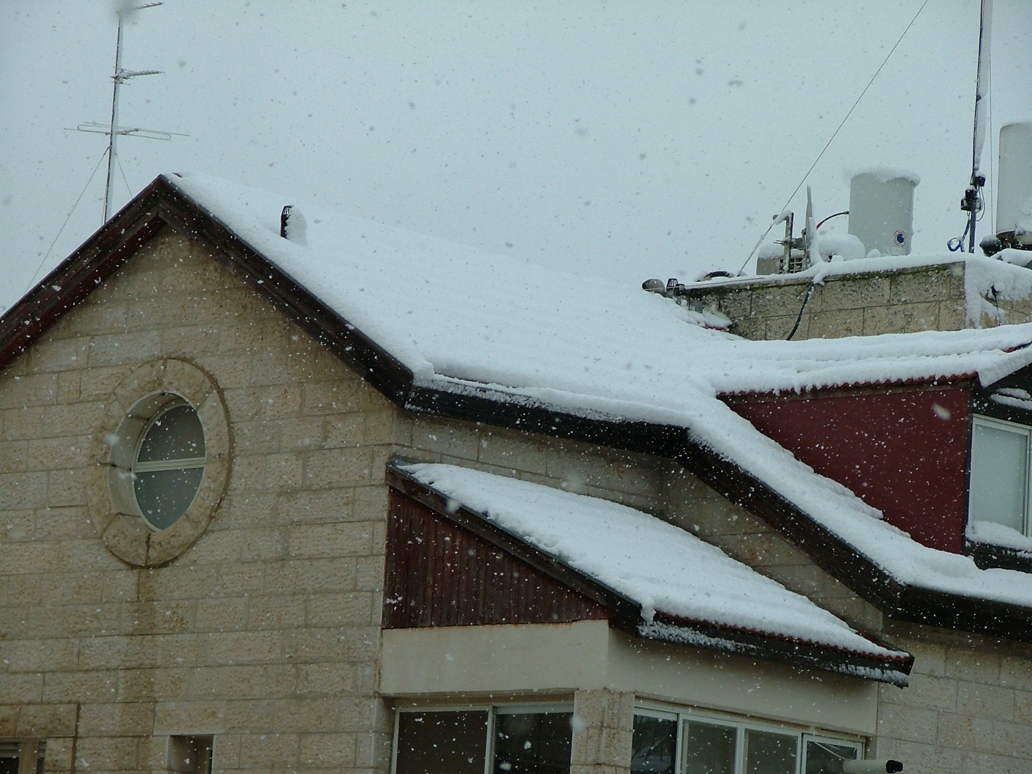 Tips for Roof Maintenance in the Winter