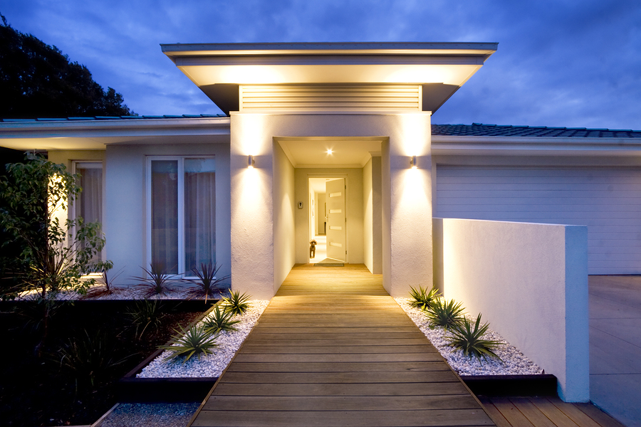 4 Tips To Create an Ideal Layout for Your Home's Exterior Lighting