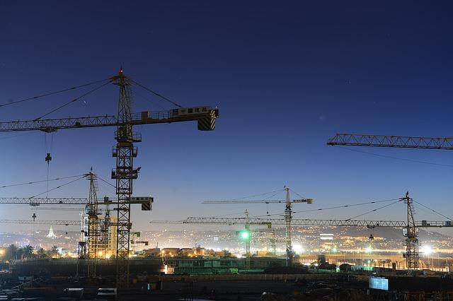 Why do automated cranes make lifting smarter?